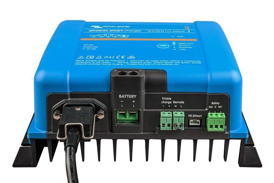 Victron Phoenix Smart 12//30, 1+1, IP43, 230 V Cargador